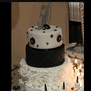 Black & White Cake - Cake by Malama