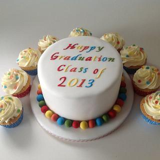 Graduation cake and matching cupcakes