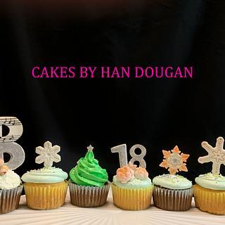 Christmas cupcakes . - Cake by Han Dougan