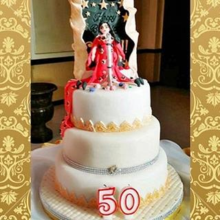 Golden Diva Cake