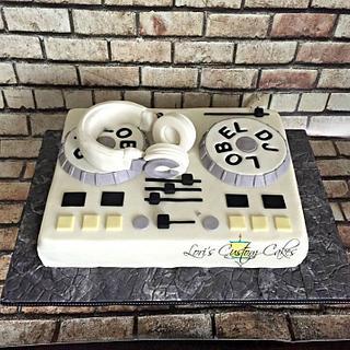 DJ soundboard cake