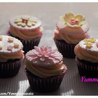 Pretty and Pink Cupcakes