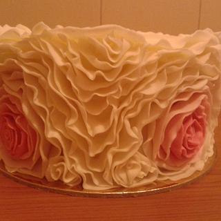 Ruffled Rose cake - Cake by Vera Santos