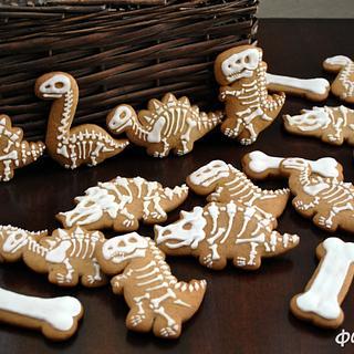 Skeletons of Dinosaurs - Cake by FondanEli