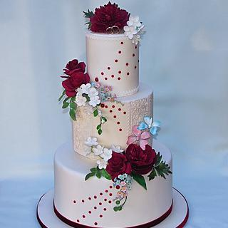 Wedding cake burghundy and white