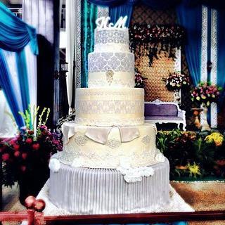 5 tiers White Wedding Cake