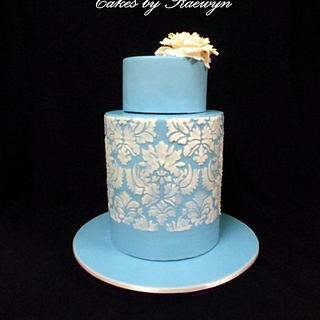 Wedgewood Inspired Double Barrel - Cake by Raewyn Read Cake Design