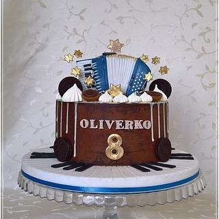 Music drip cake with akordeon