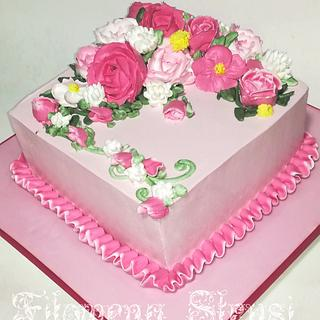 Flowers whipping cream cake