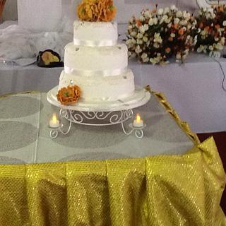 Round Wedding cake with Peony Flowers