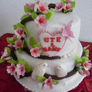 Weding cake with cherry blossoms
