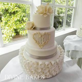 White and Ivory wedding cake