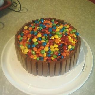 M&M and Kitkat cake