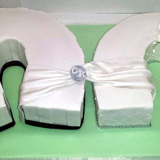 Double Horseshoe Cake