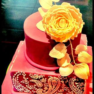 2 tiers real cake with peony & sharp edges