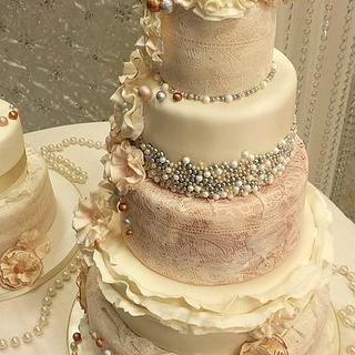 ruffle an pearl vintage wedding cakes x