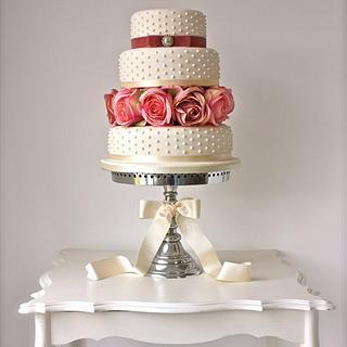 Pearls & Roses Wedding Cake