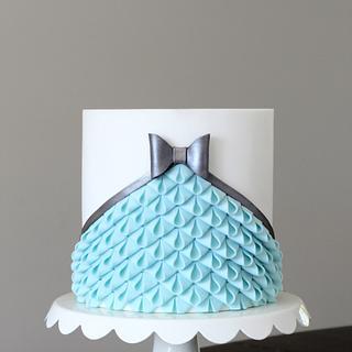 Modern Looped Bow Ruffle Cake