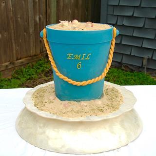Sand Bucket - Cake by Leyda Vakarelov