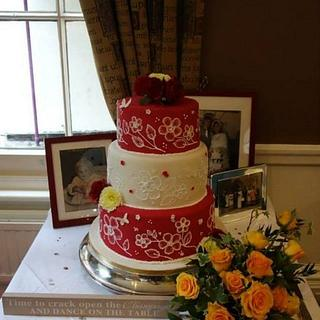 vintage wedding cake red and white