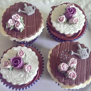 Rose/summer cupcakes