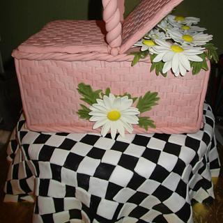 Dana's Picnic Basket cake