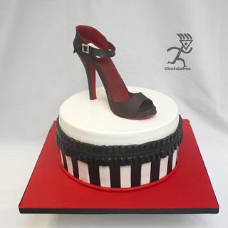 Stiletto on Black & White cake with Ruffled pleats