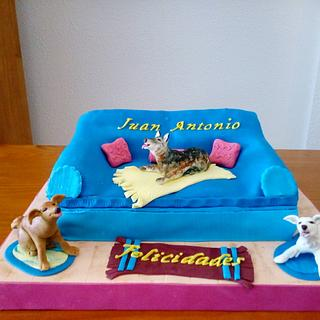 DOGS ON COUCHE CAKE