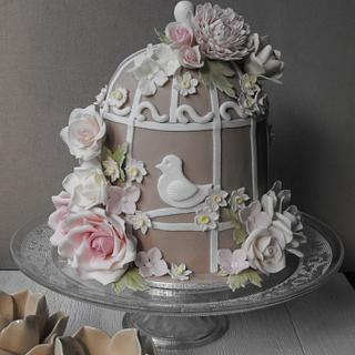 My first birdcage cake - Cake by Esther Scott