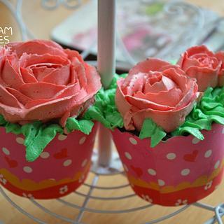 SMBC ROSE CUPCAKES