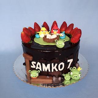 Angry birds drip cake