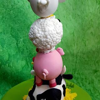 Críoadh - Farmyard Birthday Cake