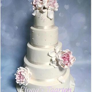 Wedding cake romantic
