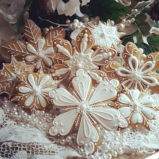 White as snow - Cake by Teri Pringle Wood