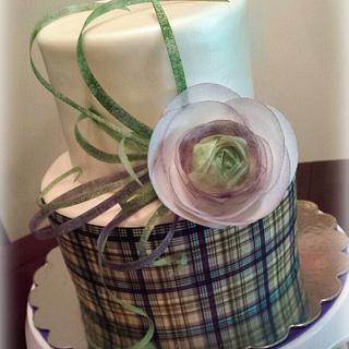 Modern Cake Design with Wafer Paper Ranunculus
