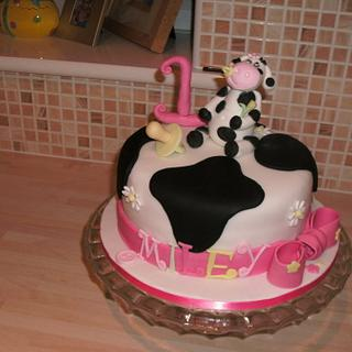 Miley Moo - Cow Cake