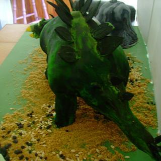 stegiosaurus  - Cake by Thereseanne