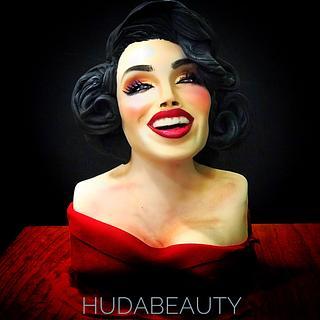 Hudabeauty Bust cake