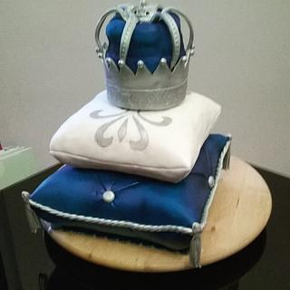 royal pillows cake