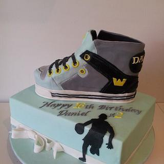 Sport shoe for two best friends ... - Cake by Bistra Dean