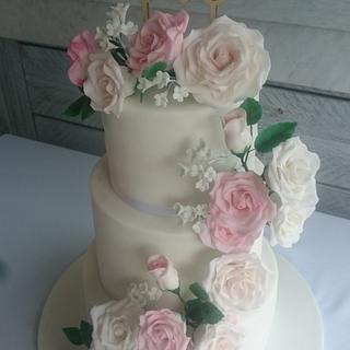 Romantic blush rose wedding cake - Cake by SugarMagicCakes (Christine)