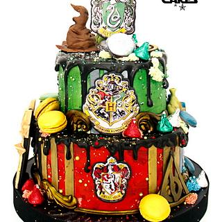 Harry Potter Hogwarts themed Drip Cake