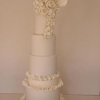 Wedding flare - Cake by Louisa Massignani