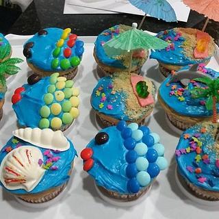 Beachy cupcakes - Cake by JShaner