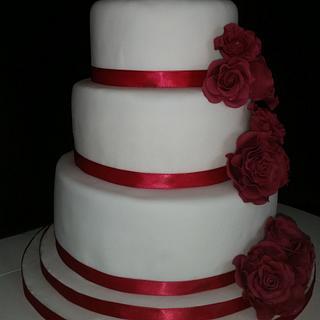 wired rose wedding cake