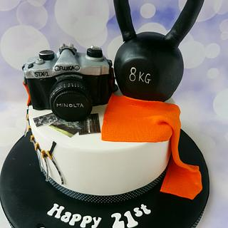 Camera and kettlebell - Cake by Jenny Dowd