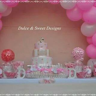 Pink sweet table - Cake by Dulce & Sweet designs