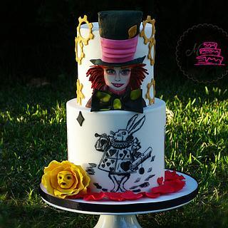 Alice in worldland - Cake by Margarida Seabra