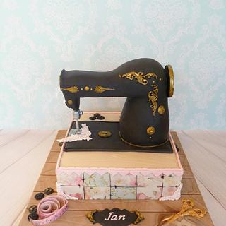 Sewing machine and patchwork  - Cake by Hilz