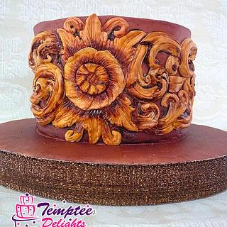 Wooden carving on cake